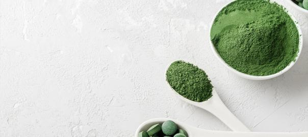 A spirulina fogyasztása számos egészségügyi előnnyel jár
